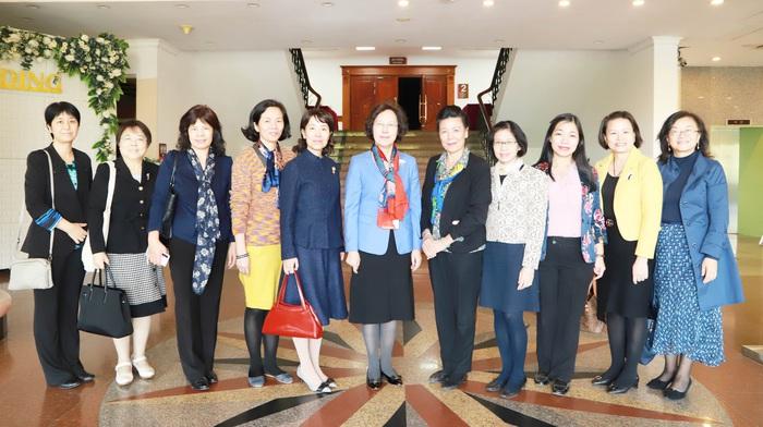 Đại diện Hội phụ nữ hai nước Việt Nam và Trung Quốc