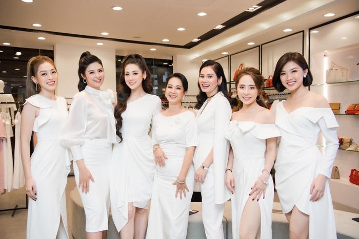 """Á hậu Phương Nga chạm trán """"tình địch"""" Lương Thanh - Ảnh 1."""