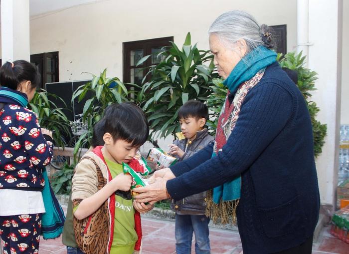 Ngày hội Mottainai 2019: Trao quà cho trẻ em đặc biệt khó khăn tại 2 đơn vị bảo trợ xã hội - Ảnh 5.