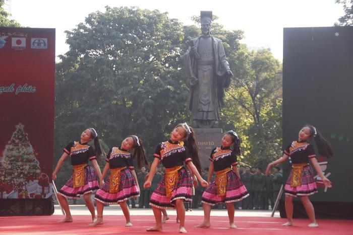 Dàn diễn viên múa nhí hóa thân thành… cô Mị tại Ngày hội Mottainai 2019 - Ảnh 3.