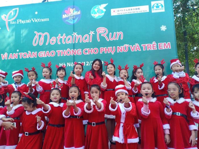 Sôi động màn hát múa Noel thiếu nhi tại Ngày hội Mottainai - Ảnh 3.