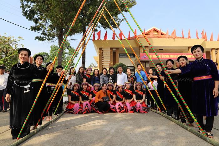 Hội LHPN Việt Nam mang Tết yêu thương đến người dân cao nguyên Lâm Đồng - Ảnh 1.