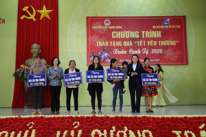Hội LHPN Việt Nam mang Tết yêu thương đến người dân cao nguyên Lâm Đồng - Ảnh 4.