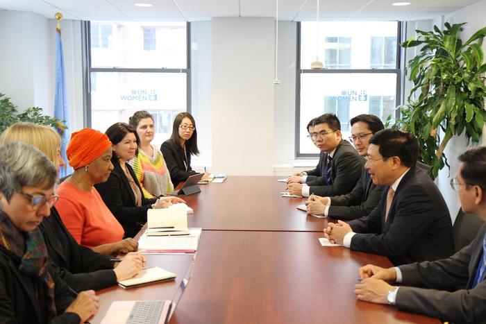 Phó Thủ tướng, Bộ trưởng Ngoại giao Phạm Bình Minh làm việc với Cơ quan Phụ nữ LHQ (UN Women)