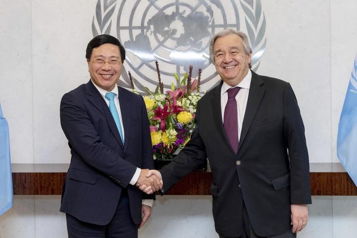 Phó Thủ tướng, Bộ trưởng Ngoại giao Phạm Bình Minh đã có buổi làm việc với Tổng Thư ký LHQ Antonio Guterres và có các hoạt động tiếp xúc song phương với Giám đốc chấp hành Cơ quan Phụ nữ LHQ (UN Women)
