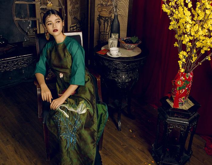 Top 10 Miss Photo Diễm Nhi chọn áo dài cách tân đón xuân mới - Ảnh 7.
