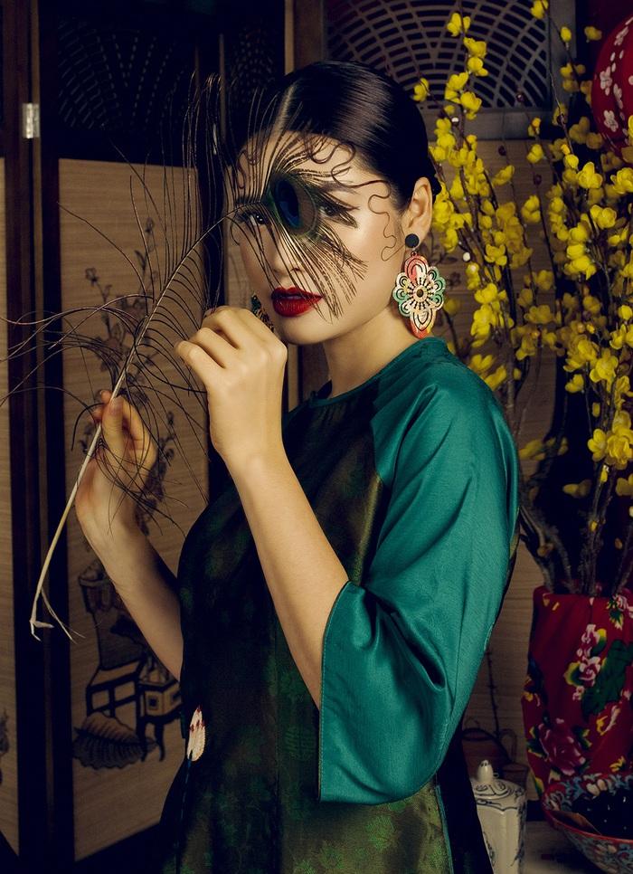 Top 10 Miss Photo Diễm Nhi chọn áo dài cách tân đón xuân mới - Ảnh 6.