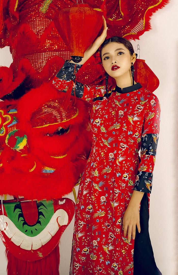 Top 10 Miss Photo Diễm Nhi chọn áo dài cách tân đón xuân mới - Ảnh 2.