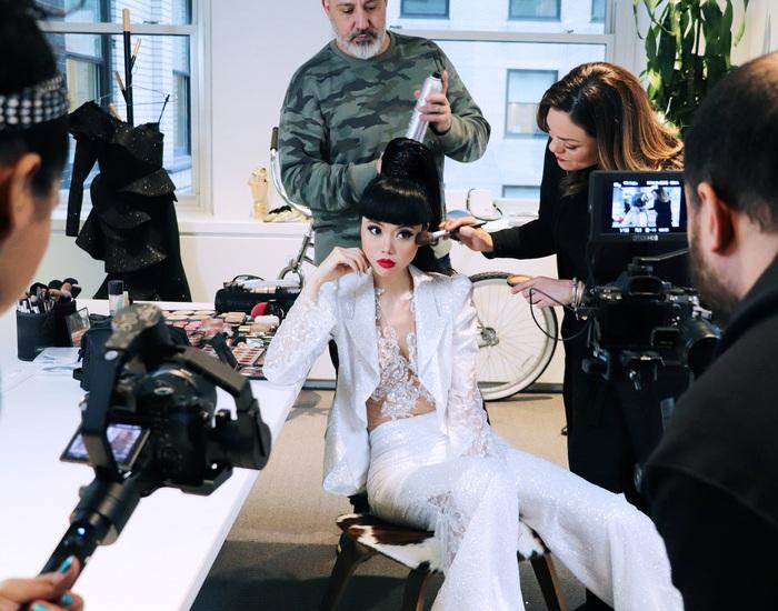 Jessica Minh Anh làm show thời trang thân thiện môi trường tại Mỹ - Ảnh 2.