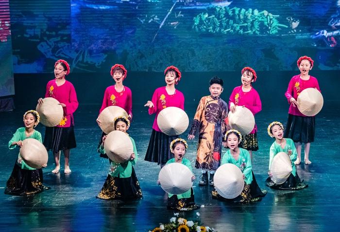 Mãn nhãn màn trình diễn đón năm mới của các tài năng nghệ thuật nhí - Ảnh 4.