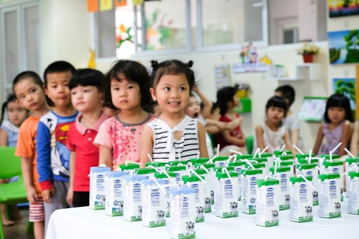 Hiện có 423 trường mầm non, trường chuyên biệt và các cơ sở bảo trợ và các nhóm lớp độc lập tư thục có trẻ mẫu giáo của thành phố Đà Nẵng tham gia Đề án Sữa học đường