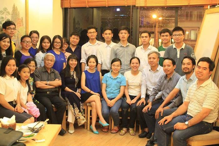 Chương trình Nuôi dưỡng nhân tài có khoảng 500 thành viên là các học sinh giỏi quốc gia, quốc tế...