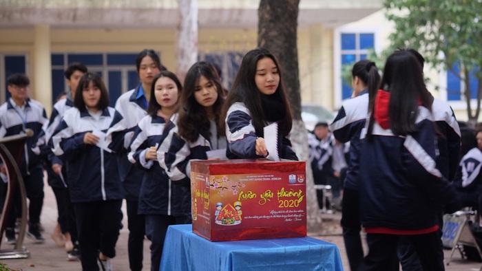 Những tấm lòng của học sinh và thầy cô sẽ là món quà ấm áp gửi đến những người có hoàn cảnh khó khăn