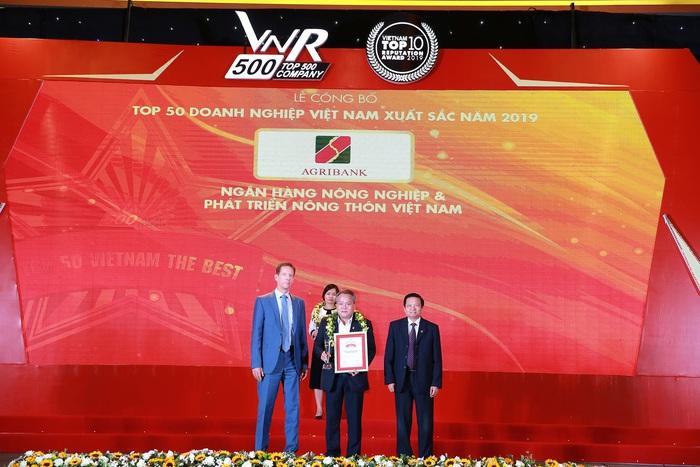 Agriabnk - TOP10 Doanh nghiệp lớn nhất Việt Nam năm 2019 - Ảnh 1.