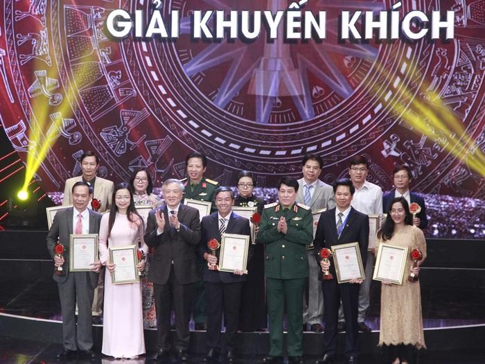 Báo PNVN đoạt 2 giải báo chí Búa liềm vàng lần thứ IV năm 2019 - Ảnh 4.