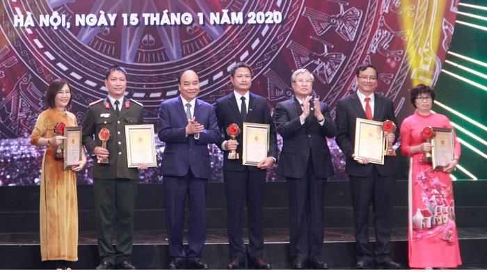 Báo PNVN đoạt 2 giải báo chí Búa liềm vàng lần thứ IV năm 2019 - Ảnh 1.