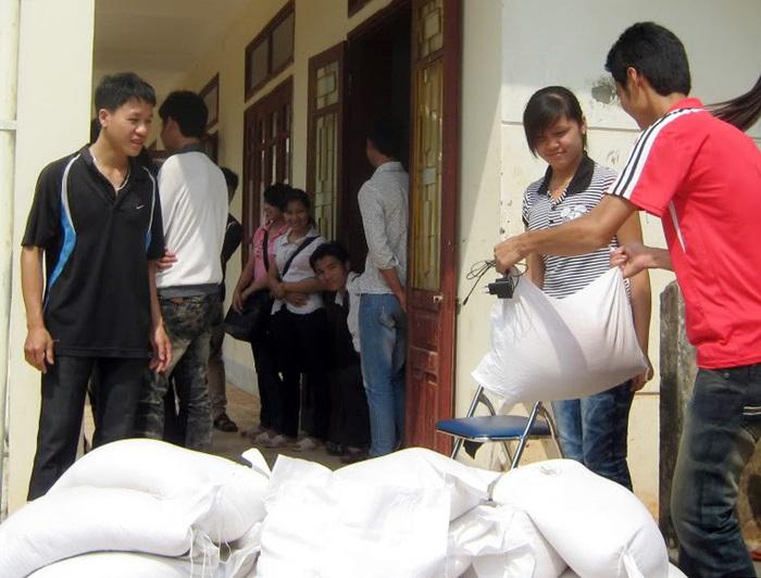 Hỗ trợ hơn 275 tấn gạo cho tỉnh Hà Giang - Ảnh 1.