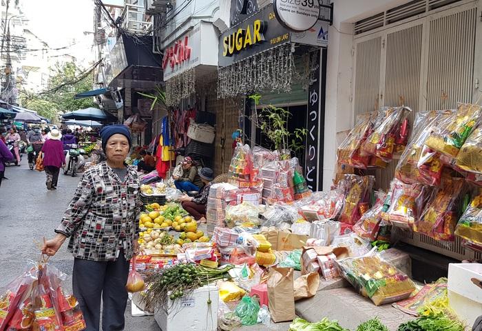 Thực phẩm tăng vài giá trong những phiên chợ cuối năm  - Ảnh 2.