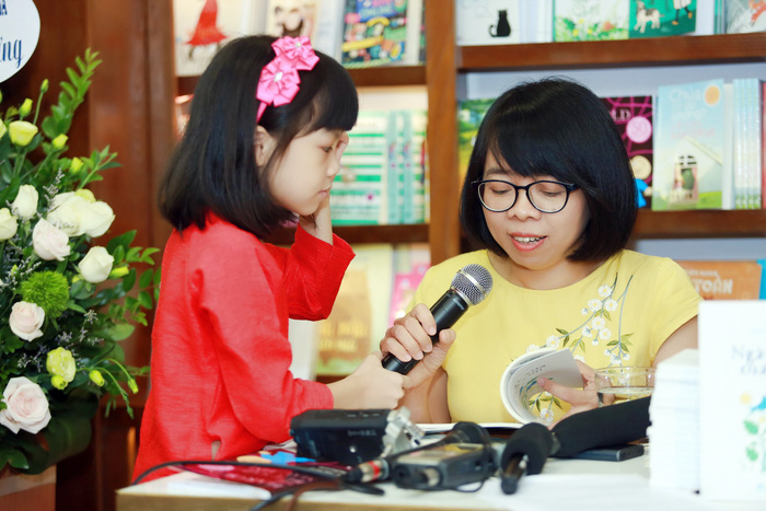 """Cô bé 10 tuổi làm diễn giả chương trình """"Cất cánh"""" - Ảnh 2."""