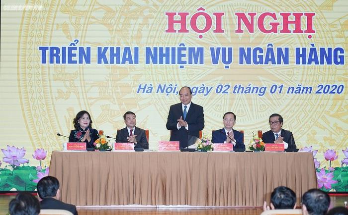Thủ tướng nêu mục tiêu kép với ngành ngân hàng - Ảnh 1.