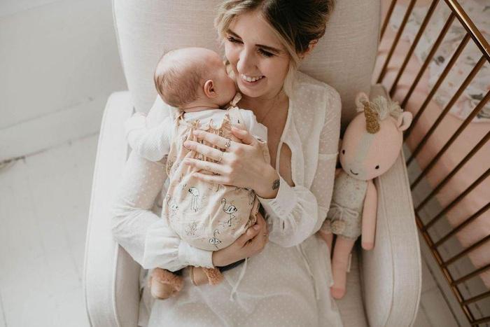 Mẹ bảo con gái: Không sao đâu, con hãy làm mẹ đơn thân thật mạnh mẽ - Ảnh 1.