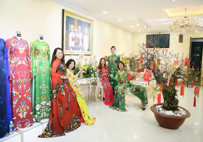 NTK Đỗ Trịnh Hoài Nam quyết tâm góp phần đưa áo dài trở thành Di sản Quốc gia - Ảnh 1.