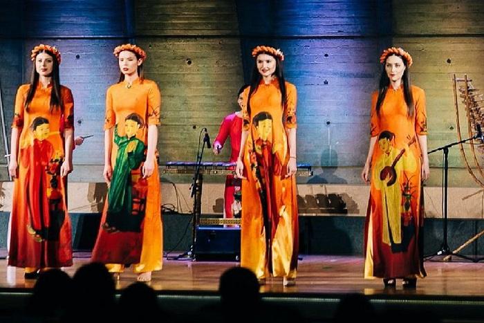 NTK Đỗ Trịnh Hoài Nam quyết tâm góp phần đưa áo dài trở thành Di sản Quốc gia - Ảnh 2.