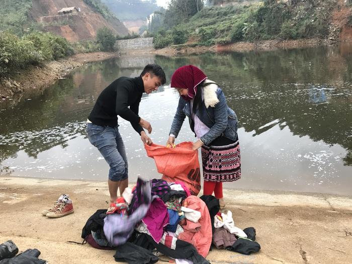 Người Mông Đồng Văn giặt đồ đón Tết - Ảnh 3.