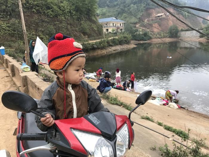 Người Mông Đồng Văn giặt đồ đón Tết - Ảnh 5.
