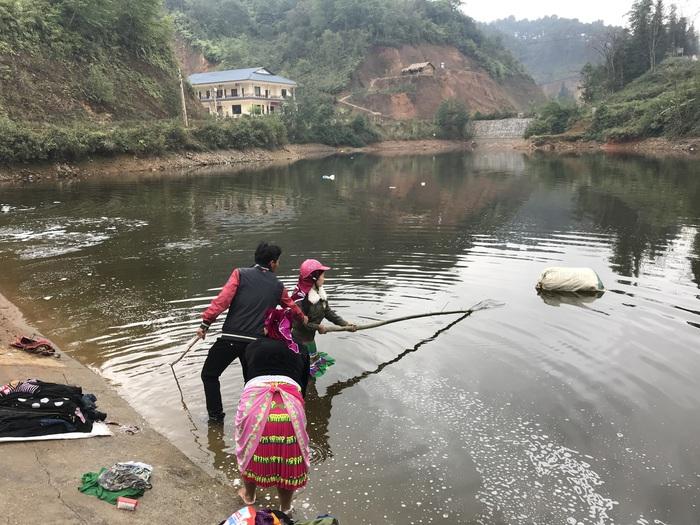 Người Mông Đồng Văn giặt đồ đón Tết - Ảnh 6.