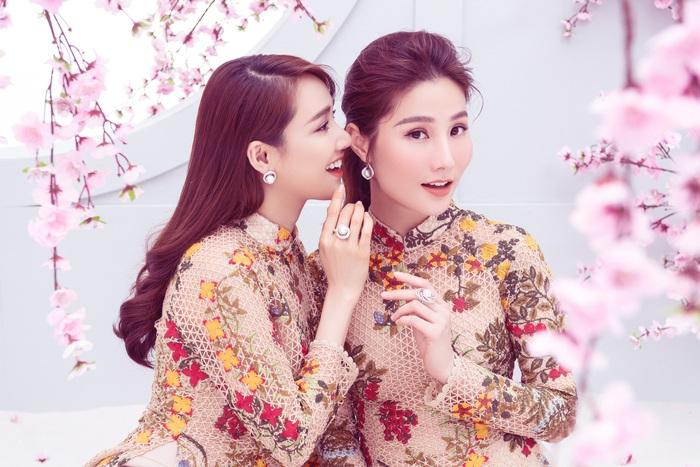 Nhã Phương – Diễm My 9x diện áo dài đón Tết Canh Tý - Ảnh 1.