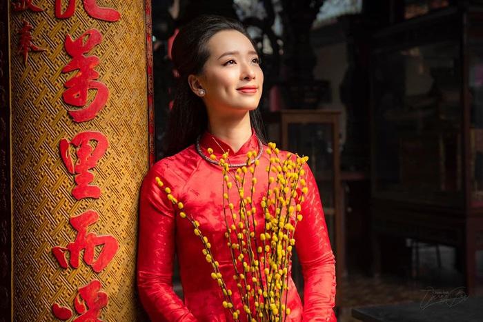 Dàn mỹ nhân Miss Photo diện áo dài đỏ rực đón Tết Canh Tý - Ảnh 9.