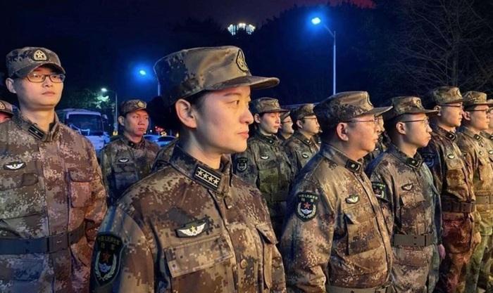 Lực lượng quân y được huy động đến Vũ Hán