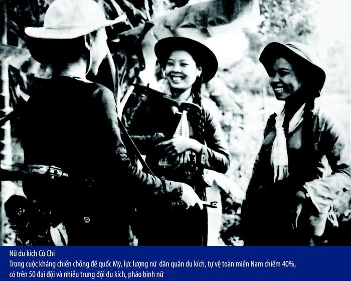 Hình ảnh lá cờ bay lộng lẫy và kiêu hãnh là hình ảnh chính xác nhất của người phụ nữ Việt Nam - Ảnh 1.