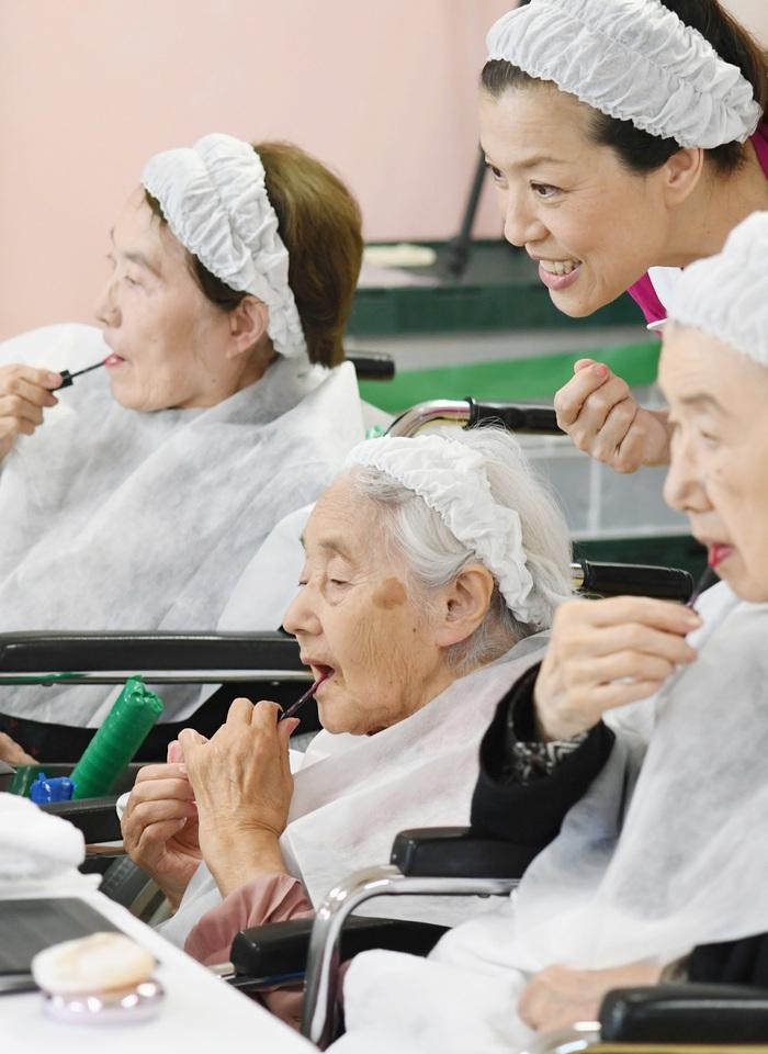 Nhu cầu làm đẹp của người cao tuổi