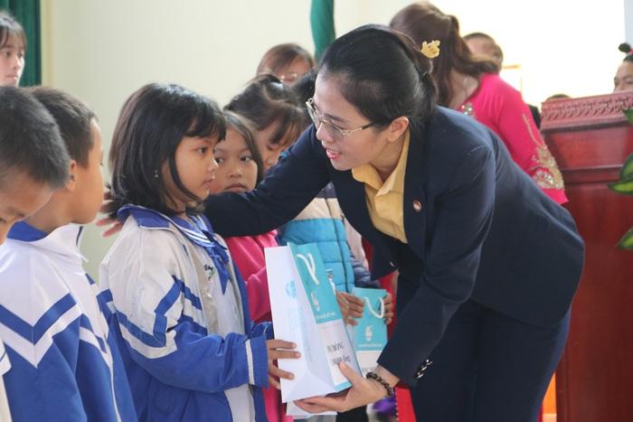 Phó Chủ tịch Thường trực Quốc hội: Nghệ An luôn đi đầu trong việc thực hiện chính sách xã hội - Ảnh 7.