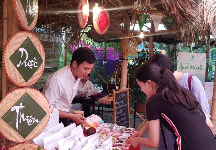 Rộn ràng phiên chợ Tết xưa tại Bảo tàng Phụ nữ Việt Nam - Ảnh 4.