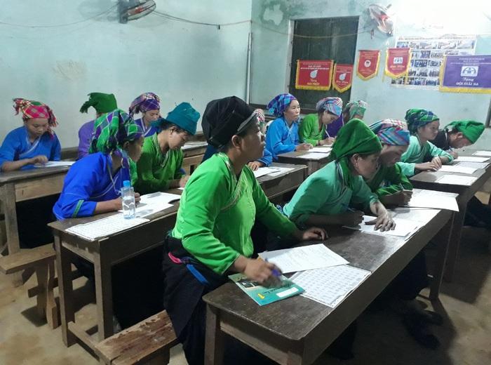 Hội LHPN Hà Giang hỗ trợ 'xóa mù tiếng phổ thông' gần 15.000 phụ nữ và trẻ em gái - Ảnh 2.