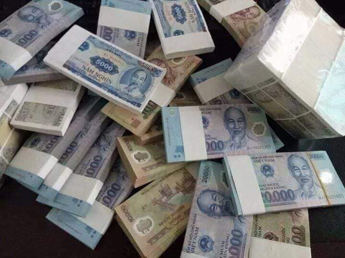 Dịch vụ đổi tiền mới, tiền lẻ vẫn sôi động trong những ngày sát Tết
