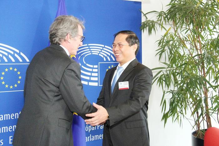 Thứ trưởng Thường trực Bộ Ngoại giao Bùi Thanh Sơn gặp Chủ tịch EP David Sassoli