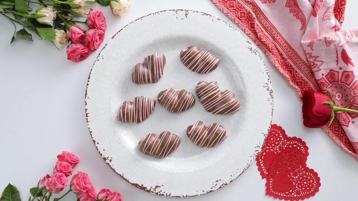 4 món chocolate đơn giản dành tặng người thương trong ngày lễ Tình nhân  - Ảnh 1.