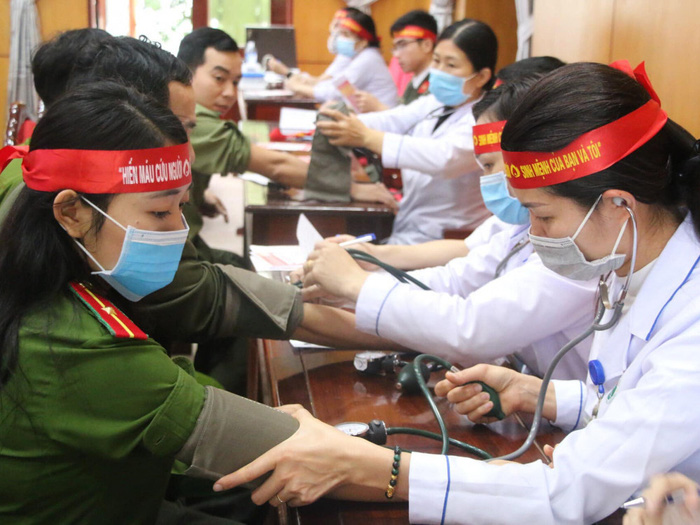 """Hà Tĩnh: 154 đơn vị máu được hiến tặng tại chương trình """"Ngày hội hiến máy tình nguyện đợt 1, năm 2020"""" - Ảnh 1."""
