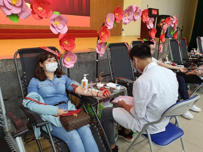 Đang thiếu trầm trọng nhóm máu A - Ảnh 7.