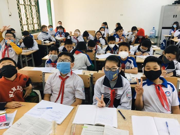Nhiều phụ huynh lo ngại, ở trường trẻ sẽ không biết tự bảo vệ mình