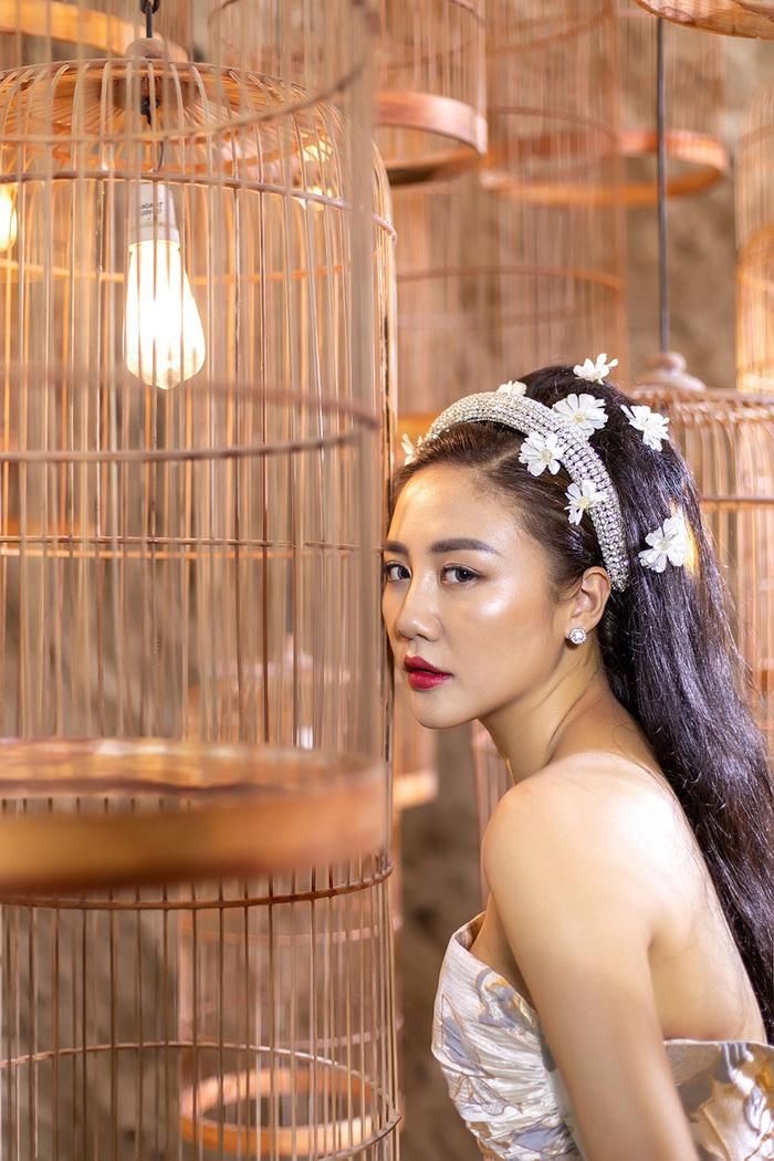 Tình lãng phí là sản phẩm âm nhạc mở màn cho chuỗi hoạt động của Văn Mai Hương trong năm 2020