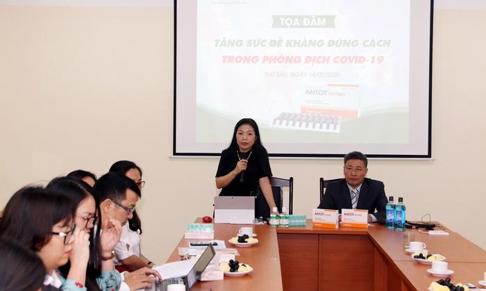 PGS.TS.BS Lê Bạch Mai - Nguyên Phó Viện trưởng Viện dinh dưỡng quốc gia phát biểu trong tọa đàm Tăng sức đề kháng đúng cách trong phòng dịch Covid-19