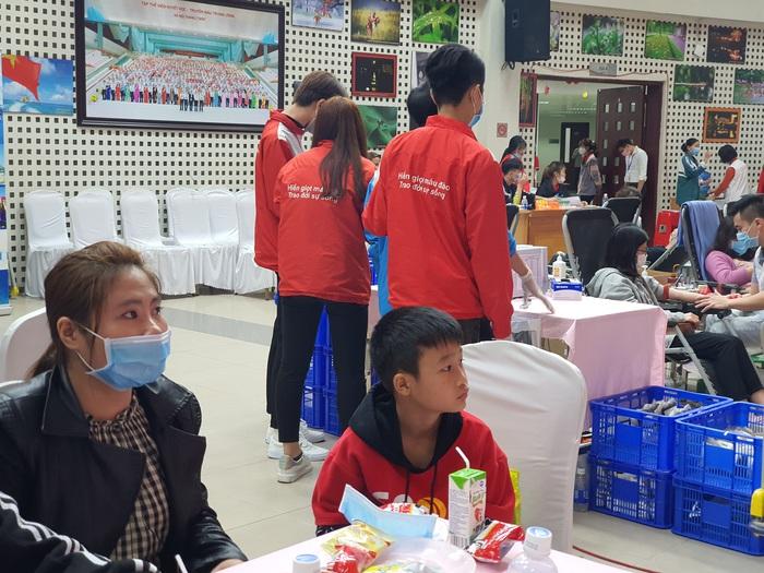 Người mẹ có con bị ung thư máu đã 6 lần hiến máu nhân đạo - Ảnh 4.