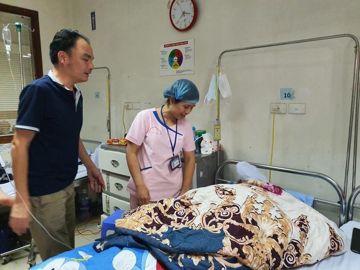 (bài ngày thầy thuốc) Gieo niềm tin và hy vọng cho bệnh nhân  - Ảnh 2.