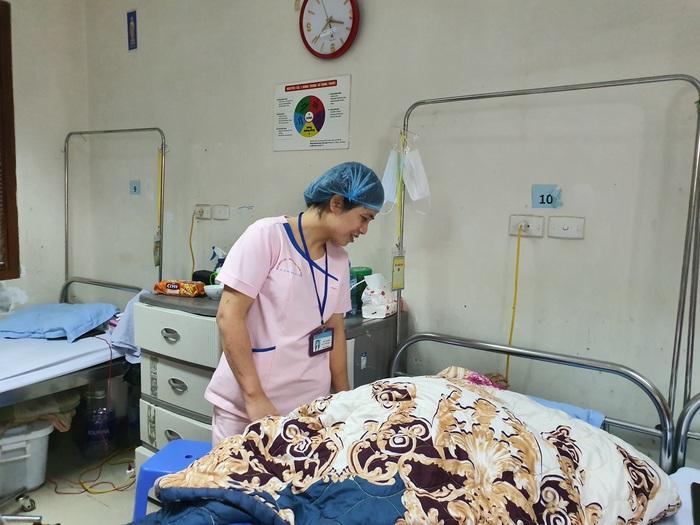 (bài ngày thầy thuốc) Gieo niềm tin và hy vọng cho bệnh nhân  - Ảnh 1.