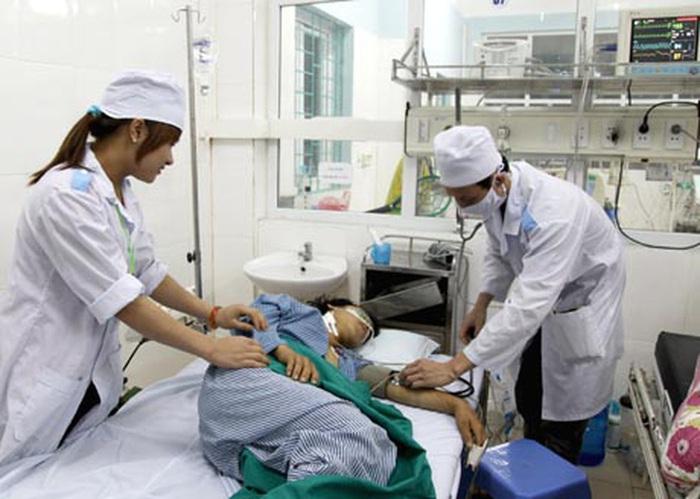 Điều trị cho nạn nhân bị ngộ độc thực phẩm
